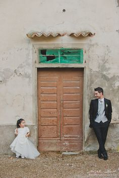 Matrimonio in Toscana, valdarno, arezzo, ritratto Wine Vineyards, Tuscan Wedding, Toscana, Destination Wedding, Couple Photos, Outdoor Decor, Couple Shots, Destination Weddings, Couple Pics