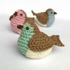 Little Robin Crochet Pattern for purchase over at the charming Esty store LittleConkers