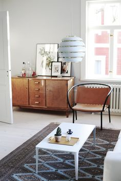 Sisustusta, modernia skandinaavista designia ja 100-vuotiaan talon remontointia käsittelevä blogi. Credenza, Cabinet, Storage, Furniture, Design, Home Decor, Clothes Stand, Purse Storage, Decoration Home
