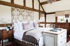 Stunning Herefordshire home project as featured in English Home magazine. Interior design & soft furnishings by www.samanthathomasdesign.com