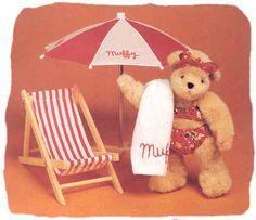 Muffy at the beach