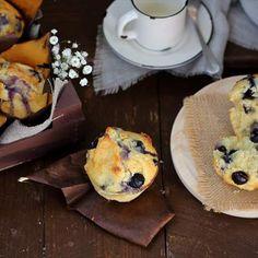 Muffins de chocolate blanco y arándanos