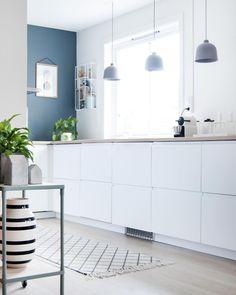 "4,776 likerklikk, 25 kommentarer – Scandinavian Homewares (@istome_store) på Instagram: ""The beautiful kitchen of @enkontrast  Ferm Living plant stand and Menu Bottle Grinders are…"""