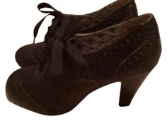 American Eagle Outfitters Heels Black Pumps. Get the must-have pumps of this season! These American Eagle Outfitters Heels Black Pumps are a top 10 member favorite on Tradesy. Save on yours before they're sold out!