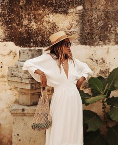 Summer outfits with white dress # summer dresses Outfits For Teens, Summer Outfits, Summer Dresses, White Dress Summer, Winter Outfits, Look Street Style, Street Styles, Boho Fashion, Fashion Dresses