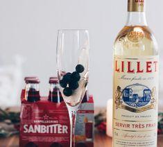 Lillet Berry Lillet Berry, Cheer Up, Vodka Bottle, Berries, Drinks, Food, Strawberry, Beverages, Bays