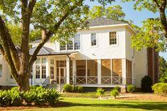 Home Alabama, Southern Plantations, Antebellum Homes, Old Farm Houses, Pergola Plans, Diy Pergola, Interior Architecture, Classical Architecture, Interior Design