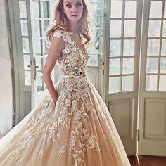 #milan #spose #bridalgown #bridalgown tolle italienische Mode  #engaged #verlobt #bridal #wedding #milanwedding #italianstyle #italybridalfashion