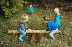 Montessori Forest Schools - The Best of Both Worlds? (how we montessori) Montessori Forest Schools - Forest Classroom, Outdoor Classroom, Outdoor School, School Site, School Fun, Pre School, Outdoor Education, Outdoor Learning, Outdoor Playground