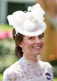 Kate Middleton joins Queen and William at the Royal Ascot | Daily Mail Online