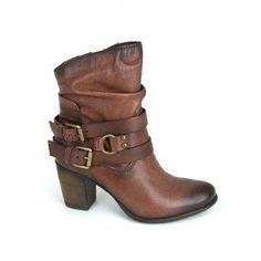 Casual maar toch vrouwelijk en elegant, daar staat de Mjus voor, zo ook deze fraaie enkellaarzen, model 649203! Deze dames laarzen zijn grot...