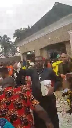 Nigerian Big Boy Escoba Smith Makes Money Rain At His Friends Childs Dedication (photos)