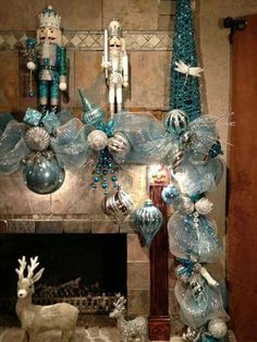 Here are best Blue Christmas Decor Ideas. From Blue Christmas Trees to Blue Christmas Home Decors to Turquoise decor to teal decor ideas / inspo are here. Peacock Christmas, Turquoise Christmas, Silver Christmas Decorations, Coastal Christmas, Christmas Fireplace, Christmas Mantels, Christmas 2019, Christmas Wreaths, Celebrating Christmas