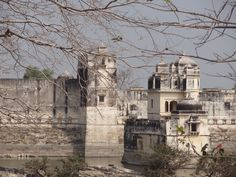 A heart touching Story of Rani Padmini- Chittorgarh Fort, Udaipur –I Chittorgarh fort is one of the famous forts of the India, whic. Heart Touching Story, Touching Stories, Rani Padmini, Chittorgarh Fort, Udaipur, Indian Art, Art And Architecture, Palace, Temple