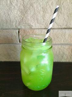 Cleansing Green Juice Recipe Using Kitchen Scraps!
