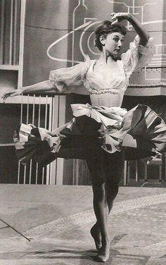 Audrey Hepburn by hmjeane