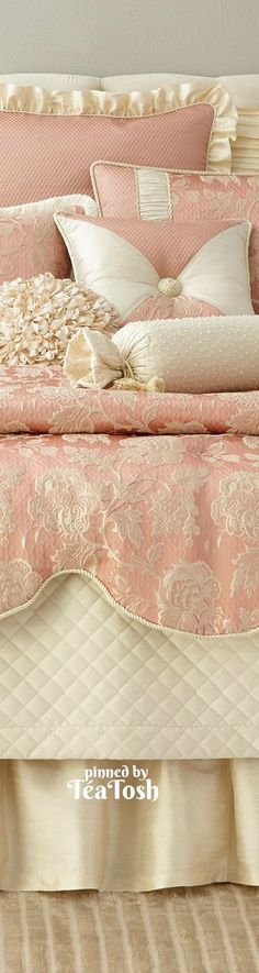 ❇Téa Tosh❇ Bed & Bedding