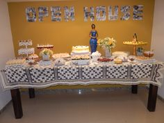Confraternização Open House. o painel foi  confeccionado com fotos de familiares e amigos