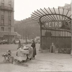 vintage everyday: Amazing Pictures of Old Paris