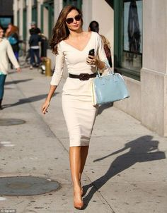 Comfy Office Outfits for Warm Summer Days