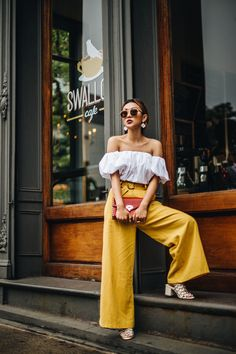 Simple But #Stylish Mom Friendly #Outfit Formulas - Yellow Wide-Leg #Pants // NotJessFashion.com