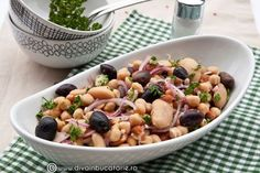 SALATA DE FASOLE BOABE CU NAUT SI MASLINE | Diva in bucatarie Healthy Salad Recipes, Fruit Salad, Vegan Vegetarian, Potato Salad, Food And Drink, Low Carb, Cooking Recipes, Meals, Vegetables