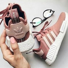 Womens Adidas NMD Raw Pink Shoes Leisure sports the best choice, simple but very trendy! Women's Shoes, Pink Shoes, Cute Shoes, Me Too Shoes, Baby Shoes, Nike Shoes Blue, Shoes Sneakers, Blue Nike, Sneaker Outfits
