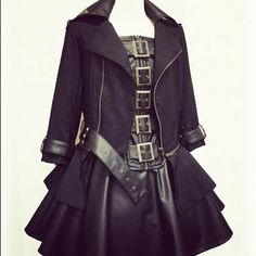 urdnotdovah:  annabellioncourt:  Dear Santa please get me these so I can feel girly and bad ass at the same time while I dance around with a sword destroying my arch-nemeses   ^ Exact reason for me.