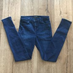 "J Brand Skinny Jeans PRICE IS FIRM. Basically brand new. Style name - ""Maria"". Very comfortable and cute! Hardly worn, excellent condition!! (J Brand does run slightly small, so may fit more like a 25) J Brand Jeans Skinny"