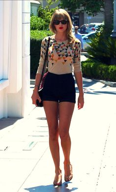 Don't really like her but love her style.