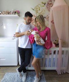 Ser mãe é a multiplicação de um sentimento infinito e incondicional. Feliz Dia das Mães!!!  . #diadasmaes #maedemenina #familia #quartodemenina #decor #amores #babystyle #babygirl