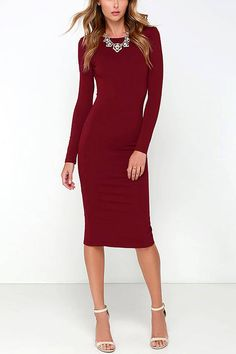 We're obsessed with LBDs so here's a burgundy bodycon midi dress to add to our collection and to yours. It's styled with a classic design, such as a midi length and long sleeves, but it comes with a twist. The open back and spplit hem design adds a flirty vibe to this piece, making it perfect for special events. Just pair this up with stiletto heels and romantic curls, and you're ready to break their breath away.