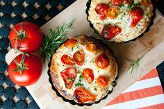 Kleine Tomaten-Focaccia mit einer kräftig-würzigen Frischkäse-Basis