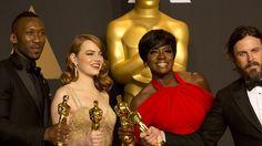 Aqui los ganadores de los premios Oscar 2017, más el error que marcó la historia de los premios: http://www.adoleteen.com/entretenimiento/ganadores-de-los-premios-oscar-2017/