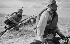 Soviet soldiers in the field during the offensive in the Kharkov area.