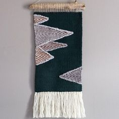 Loops and fringe are fantastic, but I keep going back to a nice flat tapestry. Something about the subtle texture I just love! Weaving Wall Hanging, Weaving Art, Weaving Patterns, Loom Weaving, Tapestry Weaving, Hand Weaving, Wall Hangings, Tapestry Design, Weaving Projects