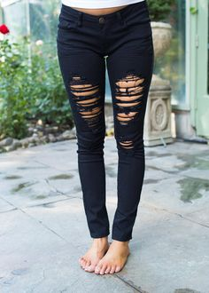 Boutique, Online Boutique, Women's Boutique, Modern Vintage Boutique, Jeans, Black Jeans, Distressed Jeans, Long jeans, Cute, Fashion