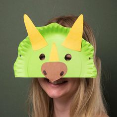 Creative Station Young dinosaur fans will have a roaring time transforming a paper plate into a Triceratops mask. Dinosaur Crafts Kids, Dino Craft, Dinosaur Projects, Dinosaur Activities, Toddler Crafts, Spanish Activities, Vocabulary Activities, Dinosaur Classroom, Teaching Spanish
