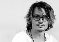 Ok so i never used to be a big fan of sexy Johnny Depp...who knows what i was thinking...he's sexy, intelligent and i love his acting choices!!!!!