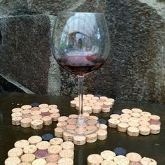 Wine Cork Crafts That Will Leave You Speechless.DIY Wine Cork Crafts That Will Leave You Speechless. Wine Cork Art, Wine Cork Crafts, Wine Bottle Crafts, Mason Jar Crafts, Mason Jar Diy, Diy Hanging Shelves, Diy Wall Shelves, Floating Shelves Diy, Diy Home Crafts