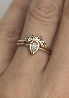 Diamond Lace Ring Set in Yellow, White or Rose Gold   MinimalVS on Etsy