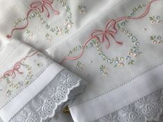 Baby Embroidery, Vintage Embroidery, Embroidery Designs, Cross Stitch Flowers, Baby Crafts, Weaving Techniques, Linen Bedding, Baby Quilts, Baby Dress