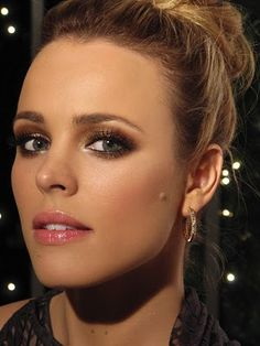 I am seriously obsessed with the way Rachel madams does her make up. Gorgeous! Wedding maybe?!