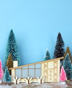 Tante S!fr@ loves this? mid century modern holiday village laser cut Create a throw back to a simpler time or pretend you're in Palm Springs with this mid-century modern laser cut holiday village. Retro Christmas Decorations, Modern Christmas Decor, Christmas Mantels, Noel Christmas, Christmas Crafts, Vintage Christmas, Christmas Ideas, Diy Christmas Village, Aussie Christmas