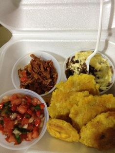 Patacones ❤❤ZULIA, VENEZUELA. Venezuelan Recipes, Venezuelan Food, Best Dishes, Side Dishes, Favorite Recipes, Country, Ethnic Recipes, Gastronomia, World