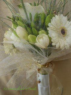 Comme la mariée qui lève son voile une fois à l'église, le bouquet ... http://yesidomariage.com - Conseils sur le blog de mariage