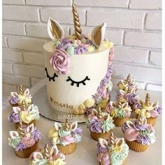 Whimsical unicorn cake/cupcakes for a girls birthday party Pretty Cakes, Cute Cakes, Beautiful Cakes, Amazing Cakes, Yummy Cakes, Crazy Cakes, Fancy Cakes, Unicorn Birthday Parties, Girl Birthday