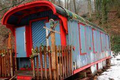 Viele Jahre diente ein alter  Bauwagen...ch der ist inzwischen marode geworden.    Foto: Marlies Jung-Knoblich