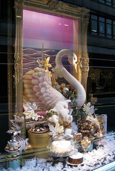 Christmas window display: Fortnum and  Mason, Piccadilly, London. November 2009
