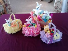 Amazing Easter Basket – crafted from recycled plastic bag and bottle. In this video I show how to make a beautiful Easter Basket from some recycled plastic bags and a plastic milk container. This is an easy project to d… source Crafts To Do, Crafts For Kids, Diy Crafts, Moldes Para Baby Shower, Easter Baskets To Make, Recycled Plastic Bags, Basket Crafts, Gift Basket, Ribbon Sculpture
